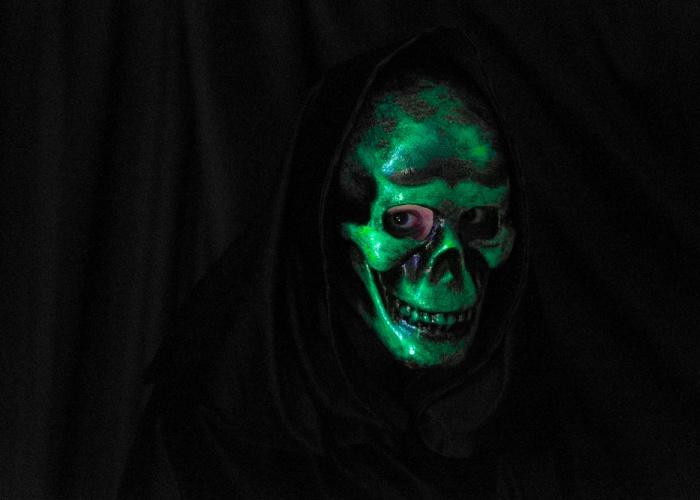 Laughing Skull Mask Green