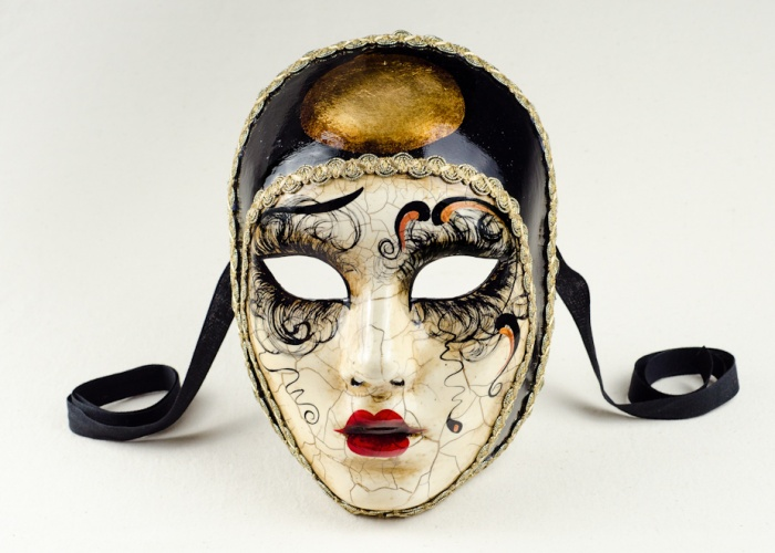 face mask pierrot betty craquelet 2